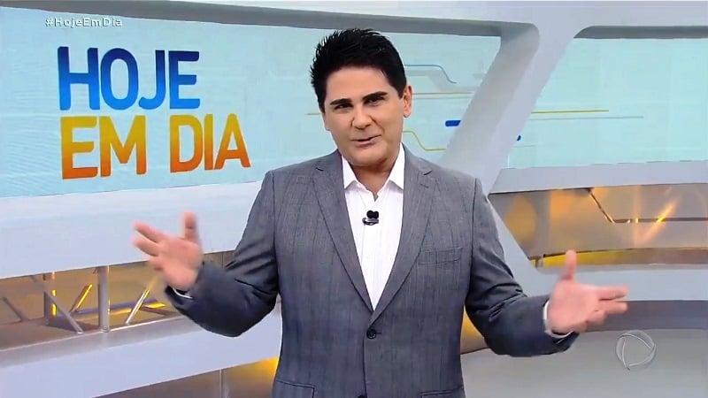 Cesar Filho é afastado do 'Hoje em dia' e fará teste de coronavírus