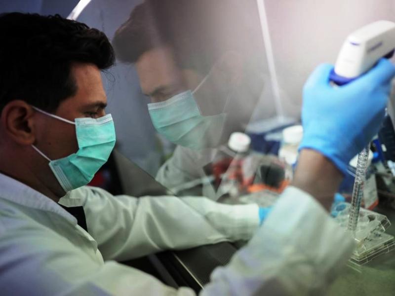 AstraZeneca inicia teste de medicamentos com anticorpos contra Covid-19