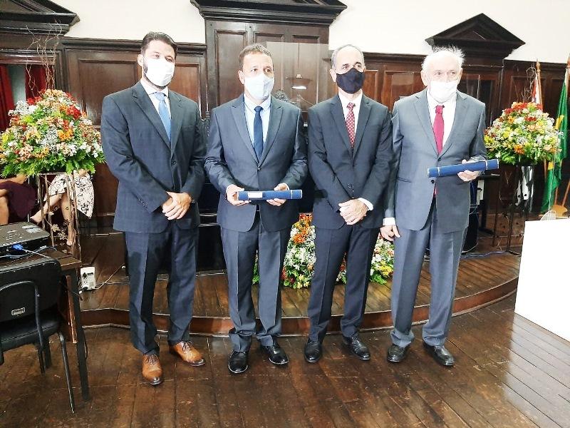 Em cerimônia simples, juiz eleitoral diploma os eleitos de São Carlos