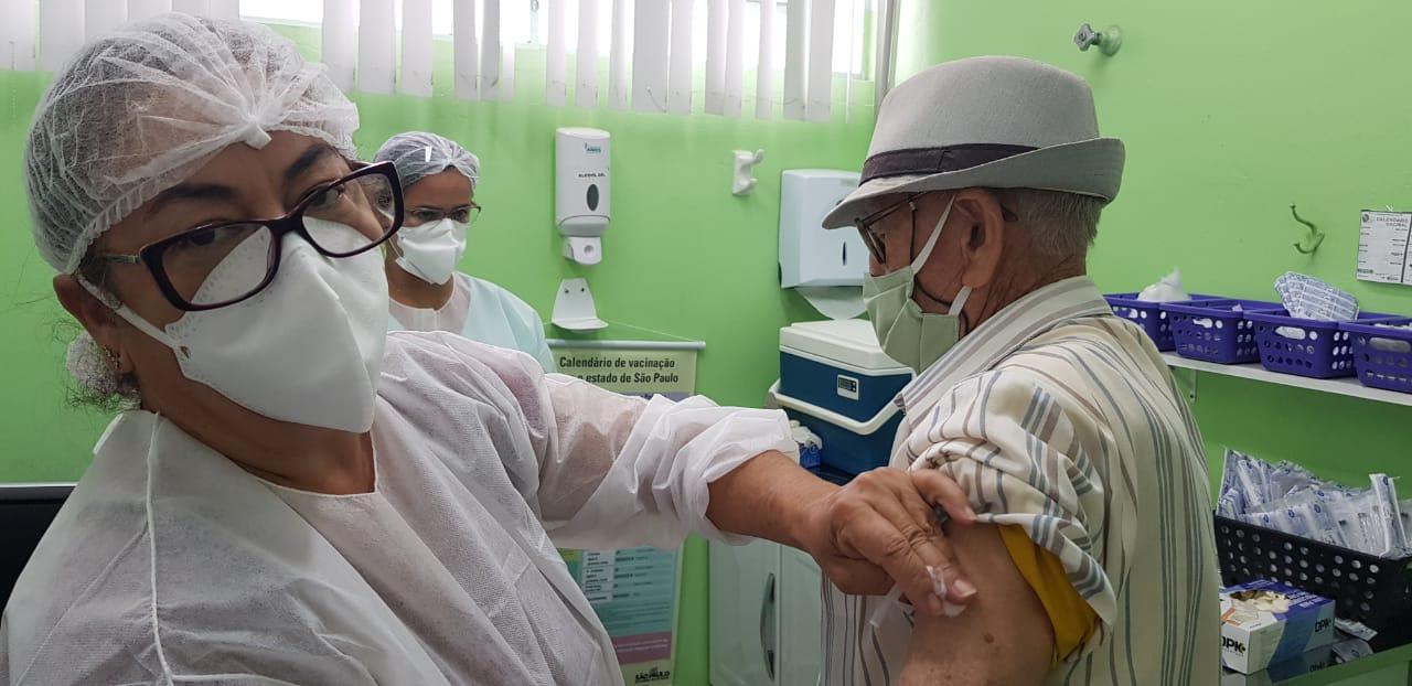 11.555 pessoas recebem vacina contra Covid-19 em São Carlos