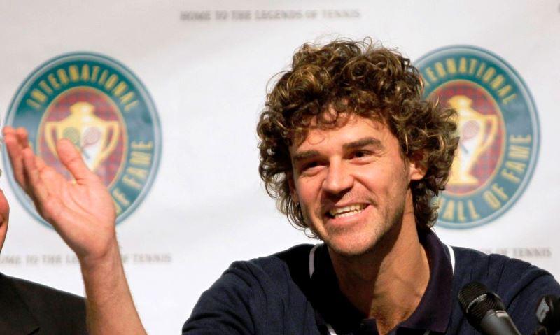 Há 20 anos, Gustavo Kuerten se tornava tricampeão de Roland Garros