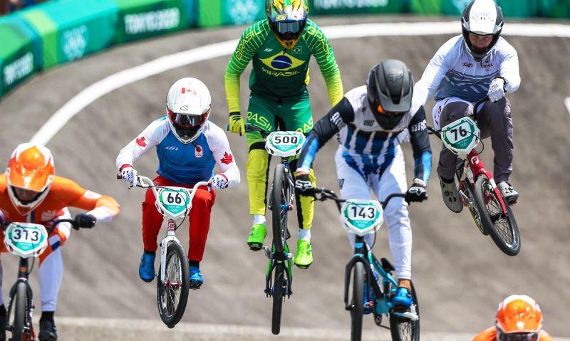 Renato Rezende avança às semifinais no ciclismo BMX