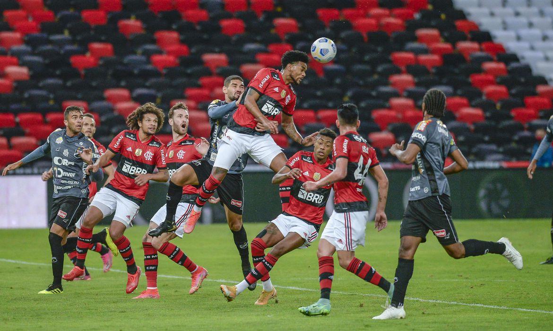 Flamengo goleia ABC e fica perto das quartas da Copa do Brasil