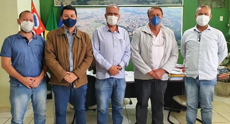 Becão e Diego da Global recebem visita do prefeito de Santa Rita