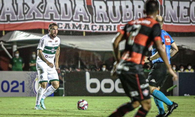 Líder Coritiba fica no 0 a 0 com o Vitória