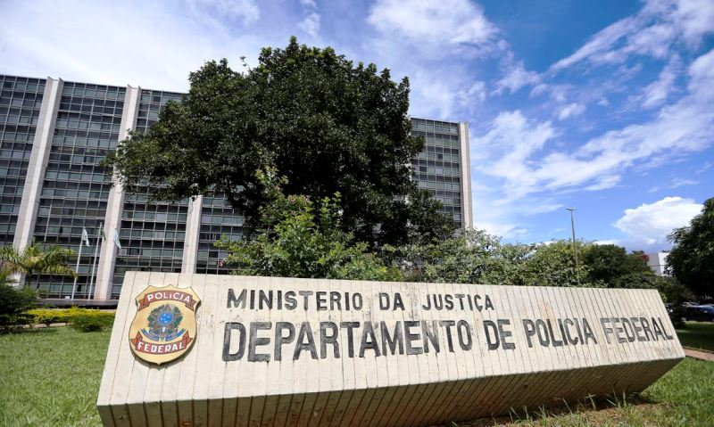 Polícia Federal investiga irregularidades no pagamento de seguro-defeso