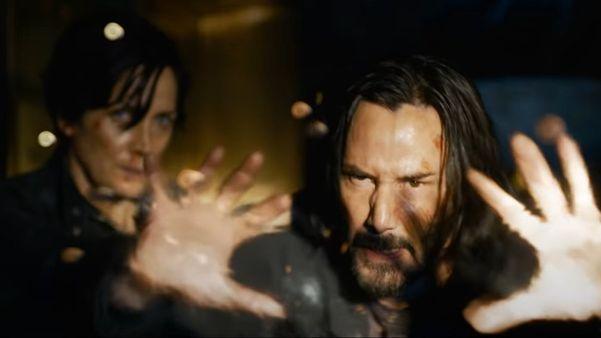 Em 'Matrix: Resurrections', Keanu Reeves volta como Neo e algo continua errado