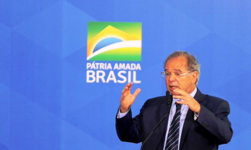Prioridade zero é Bolsa Família de R$ 300, afirma ministro