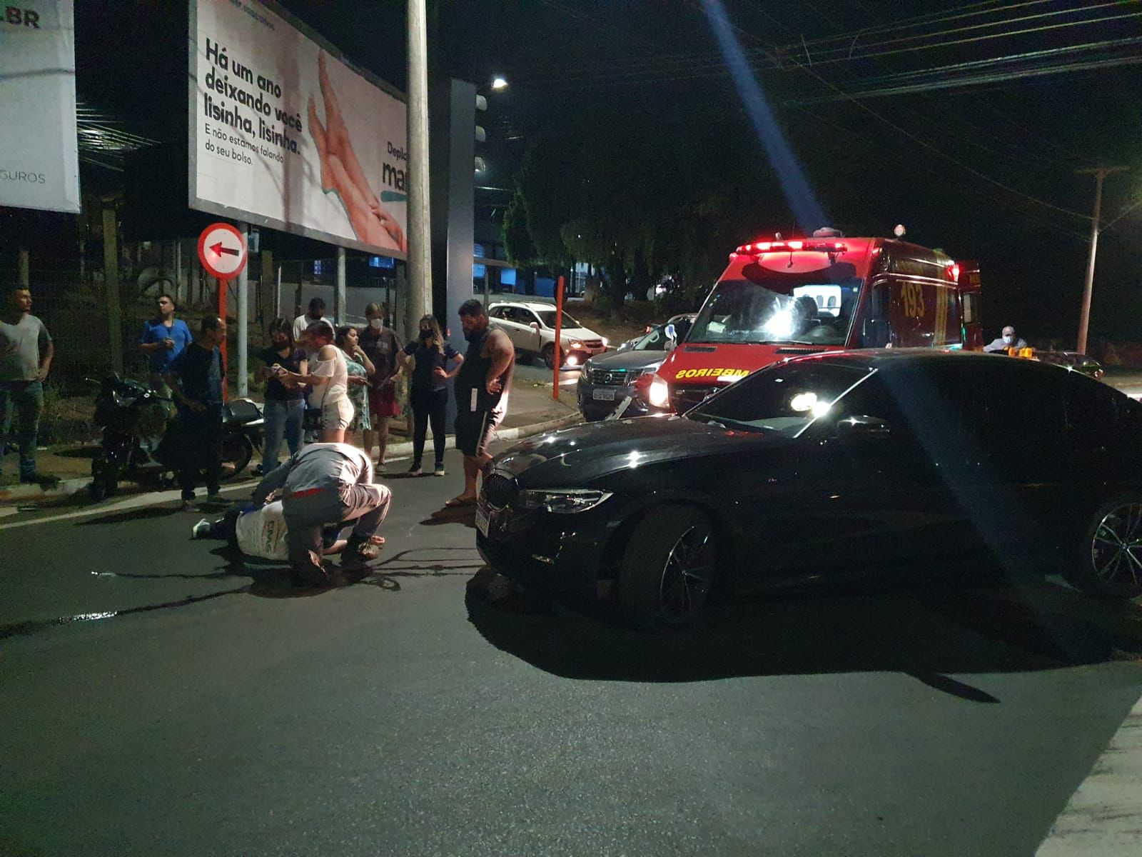 Motoboy sofre fraturas em acidente na Trabalhador São-carlense
