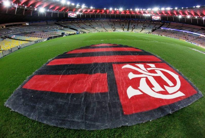 A equipe rubro-negra enfrentou pequenos conflitos com a entidade durante a temporada