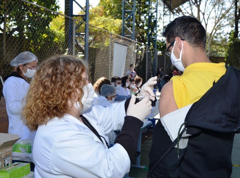 Vacinação será realizada no sábado e no feriado
