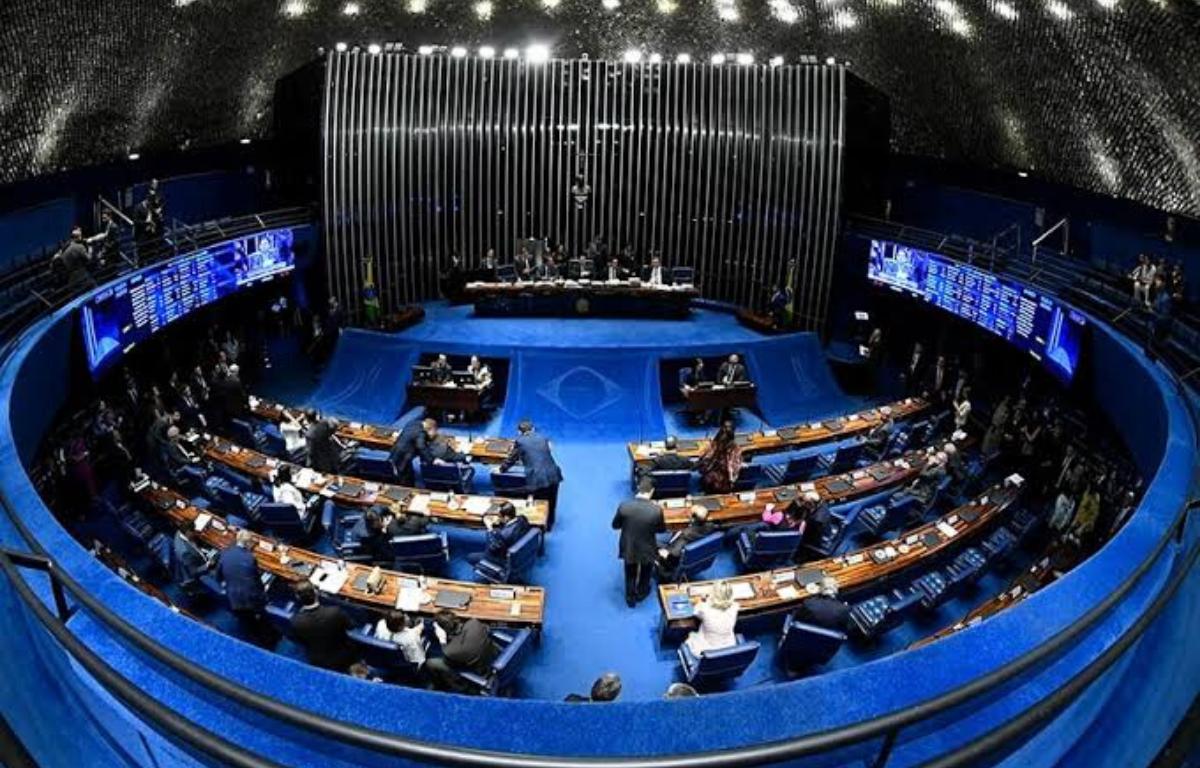 Renovação no Senado vira aposta de risco