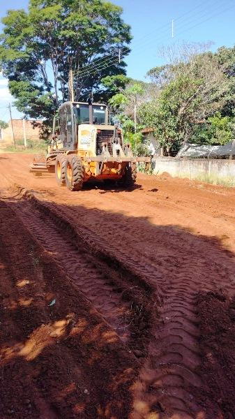 Prefeitura inicia obras de pavimentação em ruas do distrito de Guarapiranga