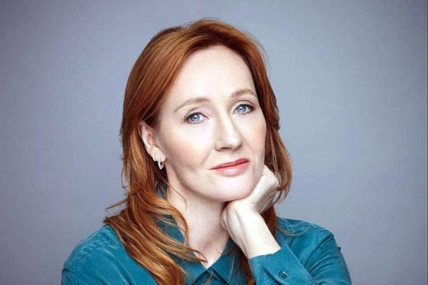 J. K. Rowling volta ao universo infantil com 'Jack e o porquinho de Natal'