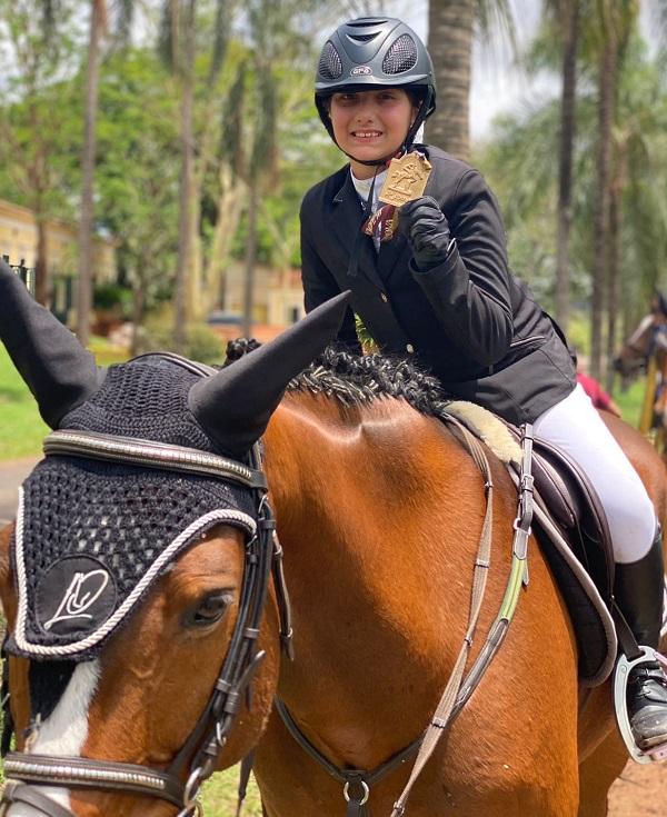 Luiza Fauvel é convocada para representar no Campeonato Sulamericano de Hipismo